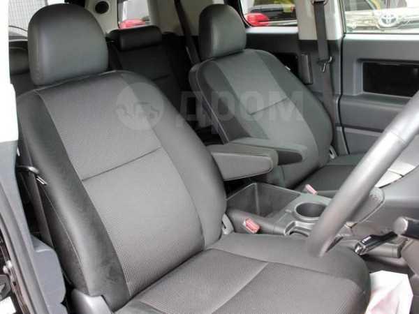 Toyota FJ Cruiser, 2012 год, 799 000 руб.