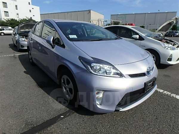Toyota Prius, 2015 год, 800 000 руб.