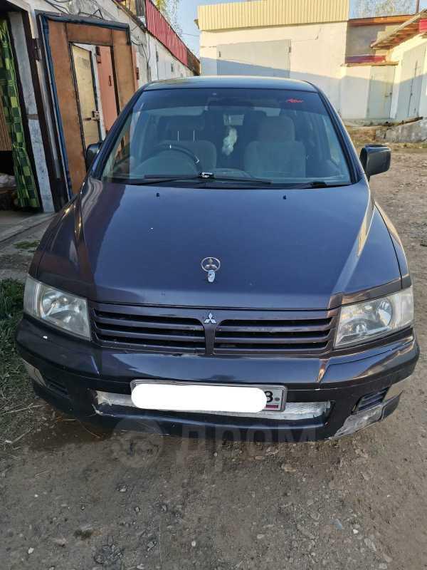 Mitsubishi Chariot Grandis, 1997 год, 140 000 руб.