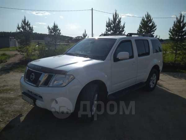 Nissan Pathfinder, 2011 год, 930 000 руб.