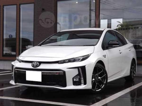 Toyota Prius PHV, 2018 год, 869 000 руб.