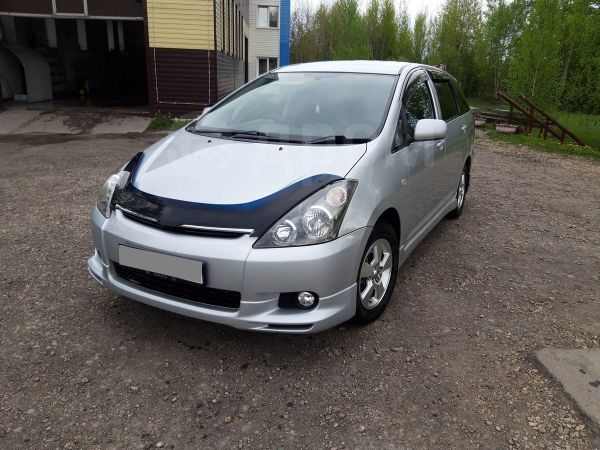 Toyota Wish, 2004 год, 550 000 руб.
