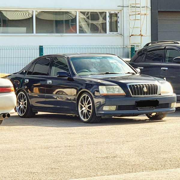 Toyota Crown Majesta, 2001 год, 550 000 руб.