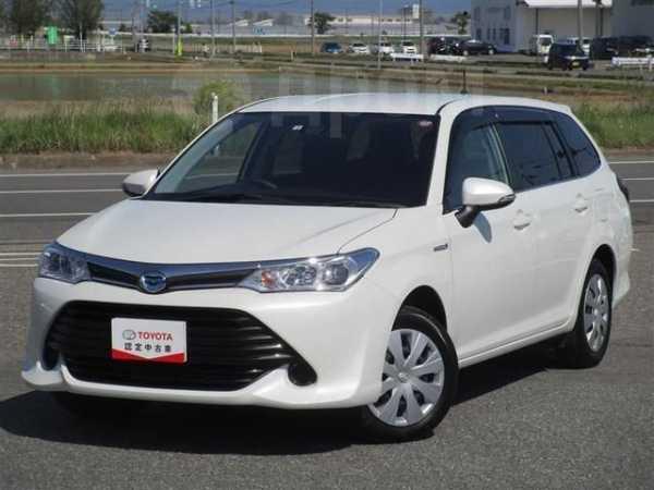 Toyota Corolla Fielder, 2016 год, 830 000 руб.