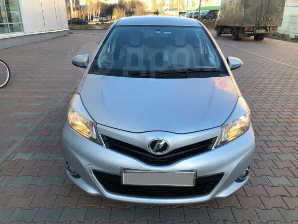Toyota Vitz, 2013 год, 398 000 руб.