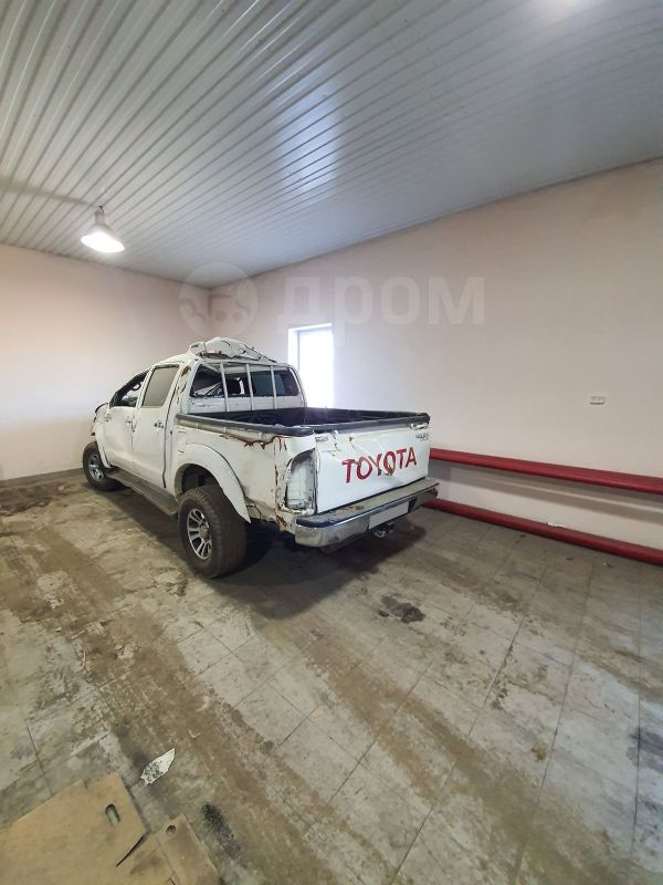 Toyota Hilux Pick Up, 2011 год, 500 000 руб.