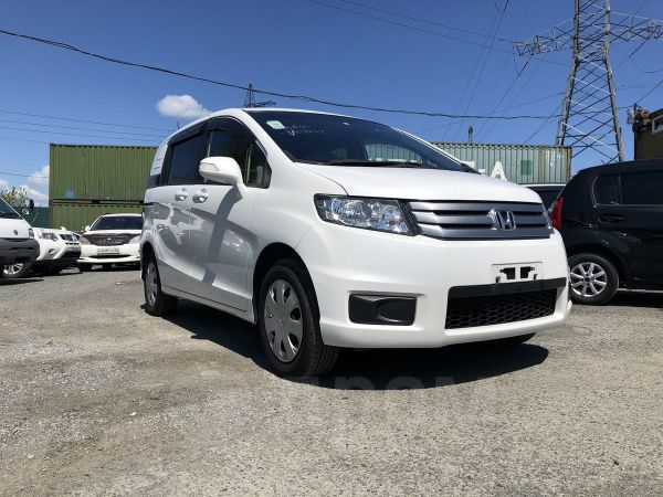Honda Freed Spike, 2014 год, 775 000 руб.