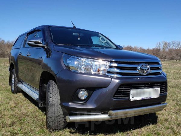 Toyota Hilux Pick Up, 2015 год, 1 350 000 руб.