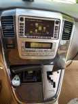 Toyota Alphard, 2003 год, 720 000 руб.