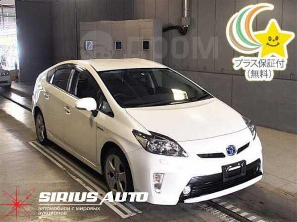 Toyota Prius, 2015 год, 840 000 руб.