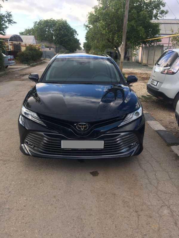 Toyota Camry, 2018 год, 2 000 000 руб.