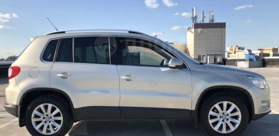 Volkswagen Tiguan, 2010 год, 598 000 руб.