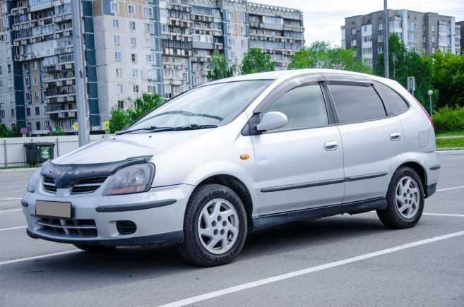 Nissan Tino, 2001 год, 205 000 руб.