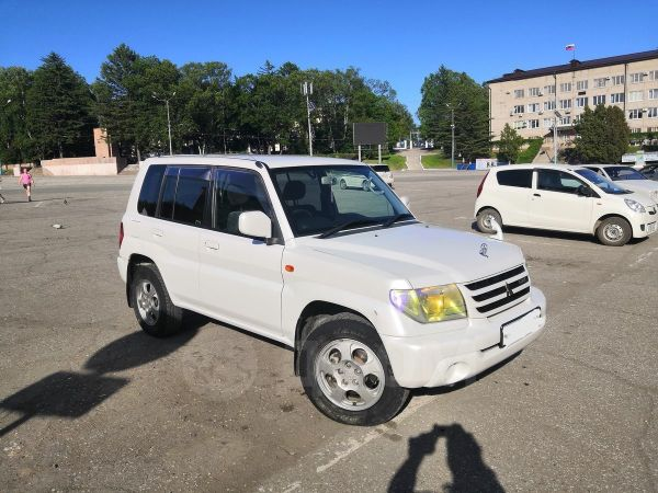 Mitsubishi Pajero iO, 2002 год, 585 000 руб.