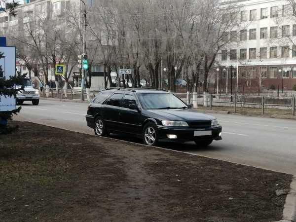 Toyota Mark II Wagon Qualis, 2000 год, 310 000 руб.