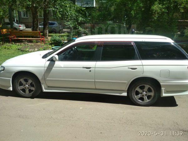 Nissan Avenir, 2001 год, 235 000 руб.