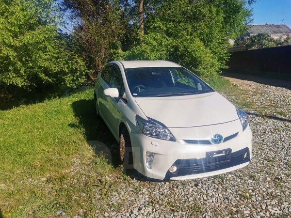 Toyota Prius, 2014 год, 855 000 руб.