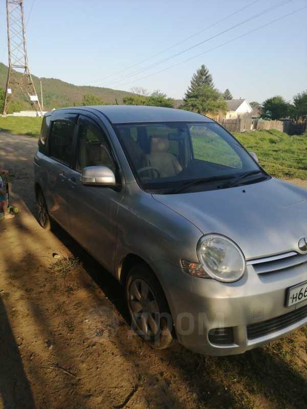 Toyota Sienta, 2009 год, 400 000 руб.