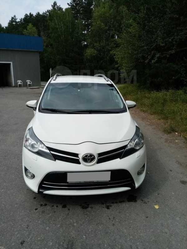 Toyota Verso, 2013 год, 780 000 руб.