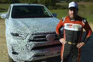 Новая Toyota Hilux показалась на видео с Фернандо Алонсо за рулем