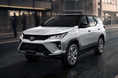 Внедорожник Toyota Fortuner стал мощнее и агрессивнее
