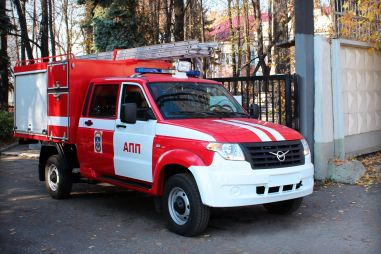 Из УАЗа Профи сделали пожарную машину