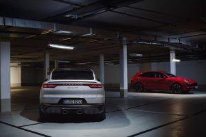 «Особо спортивные» версии Porsche Cayenne и Cayenne Coupe начали продавать в РФ