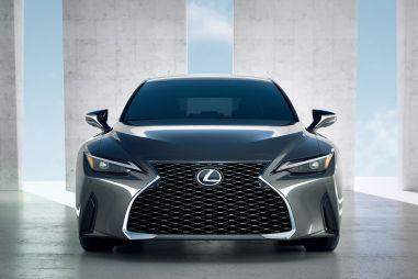 Новый Lexus IS официально представлен: свежая внешность, знакомые моторы