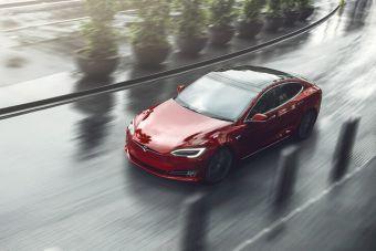 Tesla доработала самую дальнобойную Model S. Теперь она может проезжать 650 км