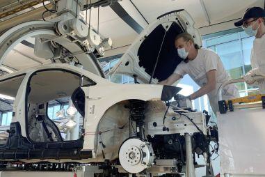 Volkswagen позволит покупателям собирать свои машины и еще возьмет с них за это €215