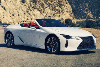В Японии начали продавать кабриолет Lexus LC500