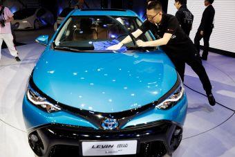 В Китае власти ослабили экологические требования к автоконцернам