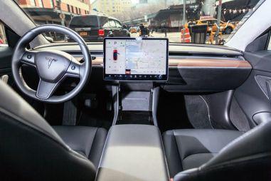 Tesla оказалась худшей в рейтинге «первоначального качества»