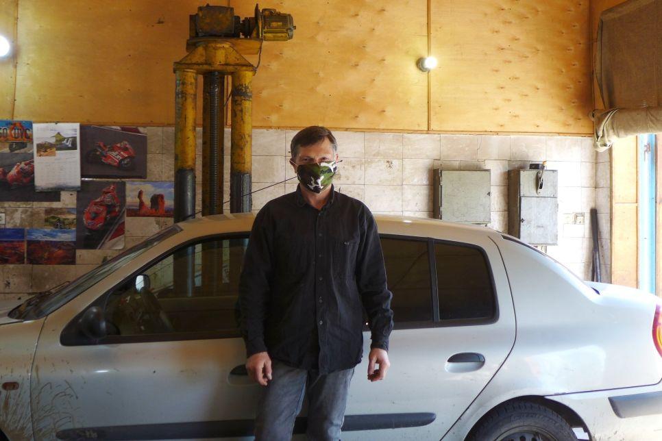 В гостях у «дяди Васи». Как пережил коронавирусный май гаражный мастер