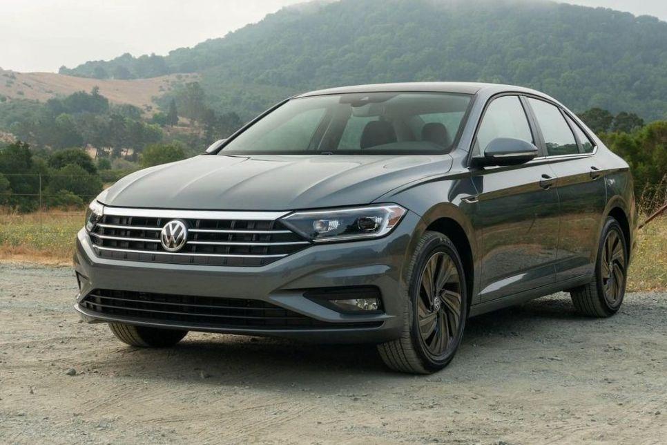 Volkswagen Jetta VII. Доступная альтернатива Toyota Camry