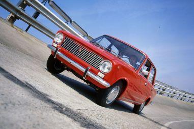 ВАЗ-2101. Дром утверждает: в 1970 году первую «копейку» на конвейере собрали не 19 апреля, а в августе