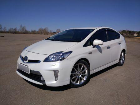 Toyota Prius PHV 2012 - отзыв владельца