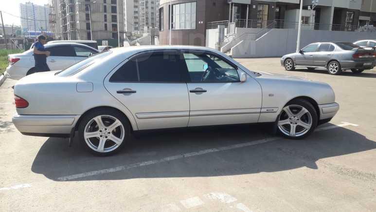 Mercedes-Benz E-Class, 1998 год, 390 000 руб.