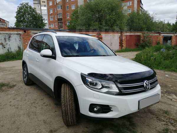 Volkswagen Tiguan, 2012 год, 795 000 руб.