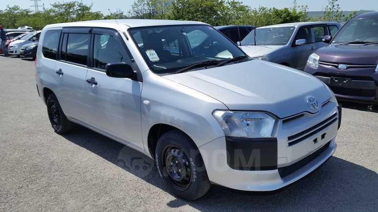 Toyota Probox, 2015 год, 555 000 руб.