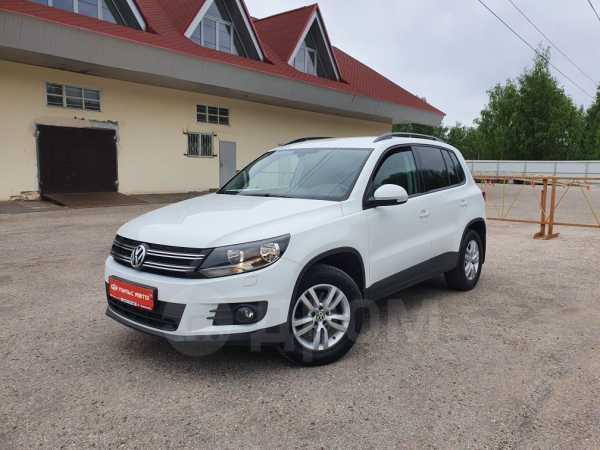 Volkswagen Tiguan, 2015 год, 948 000 руб.