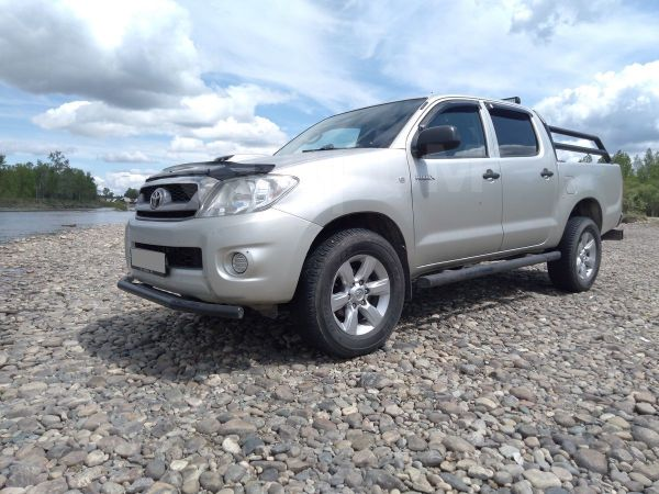 Toyota Hilux Pick Up, 2011 год, 1 060 000 руб.