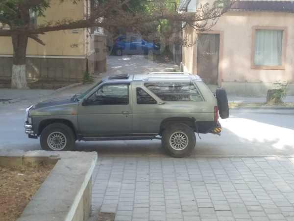 Nissan Terrano, 1990 год, 155 000 руб.