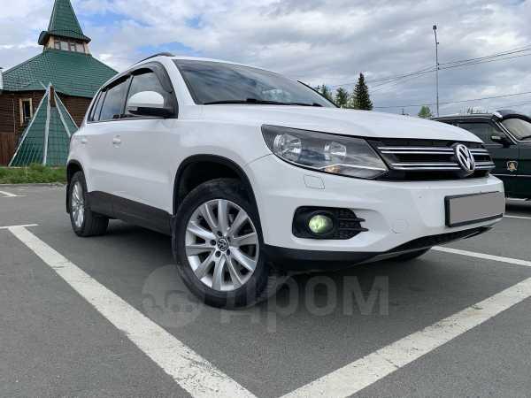 Volkswagen Tiguan, 2011 год, 740 000 руб.