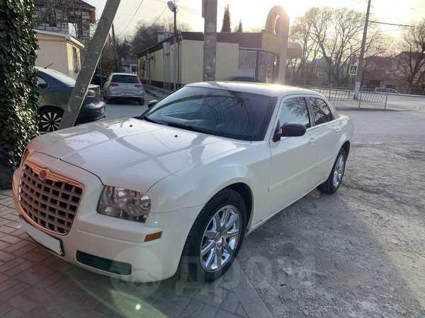 Chrysler 300C, 2005 год, 575 000 руб.