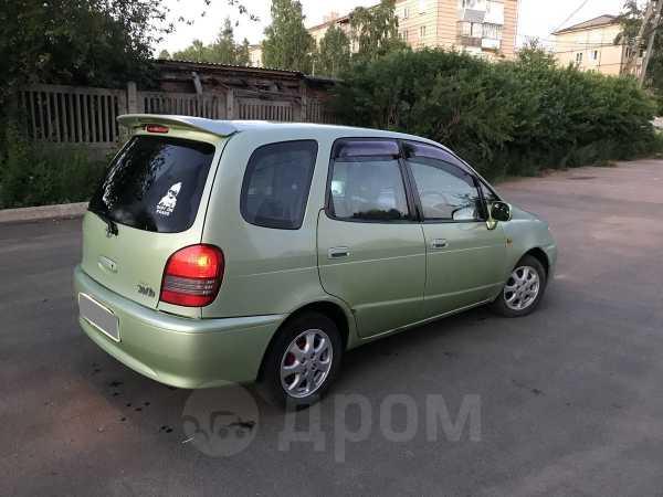 Toyota Corolla Spacio, 2000 год, 227 000 руб.