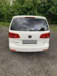 Volkswagen Touran, 2012 год, 620 000 руб.