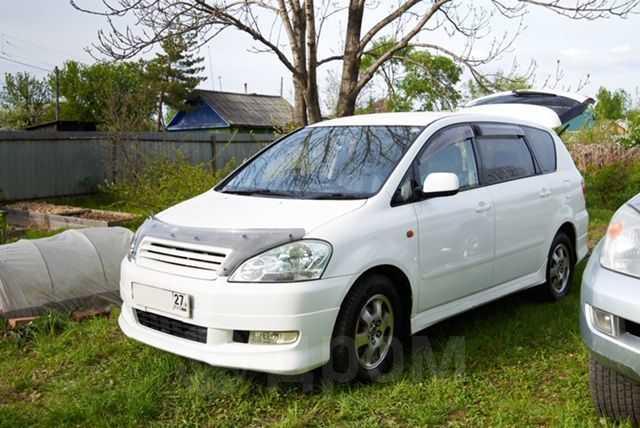 Toyota Ipsum, 2002 год, 520 000 руб.