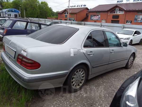 Mercedes-Benz E-Class, 2001 год, 260 000 руб.