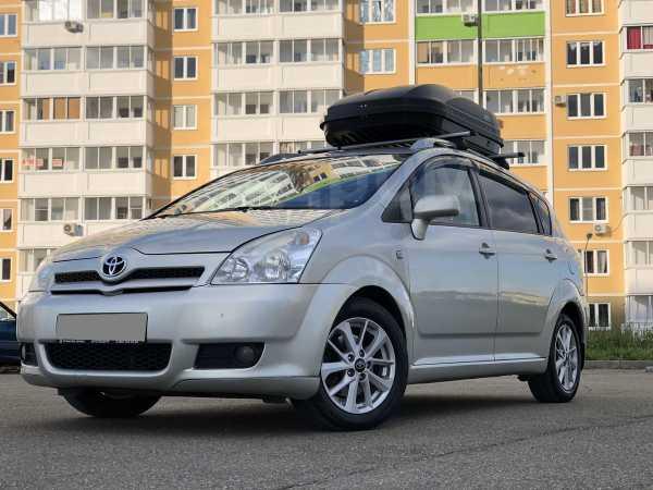 Toyota Corolla Verso, 2005 год, 440 000 руб.